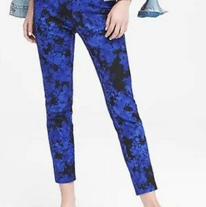 🆕 Banana Republic Sloan black blue floral pants 4